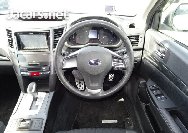 Subaru Legacy 2,5L 2012-8