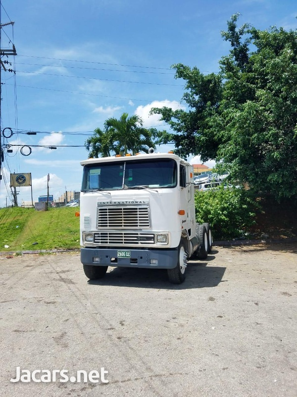 1990 International Truck-3
