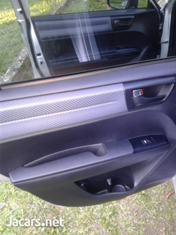 Toyota Fielder 0,4L 2013-4