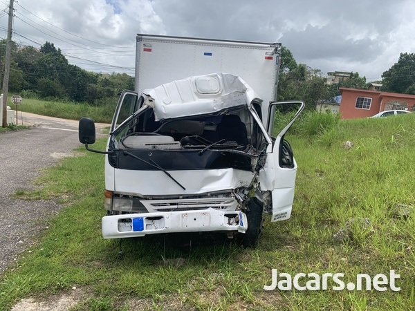 Crashed Isuzu Truck-2