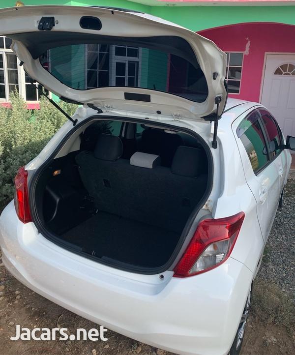 Toyota Vitz 1,0L 2013-4