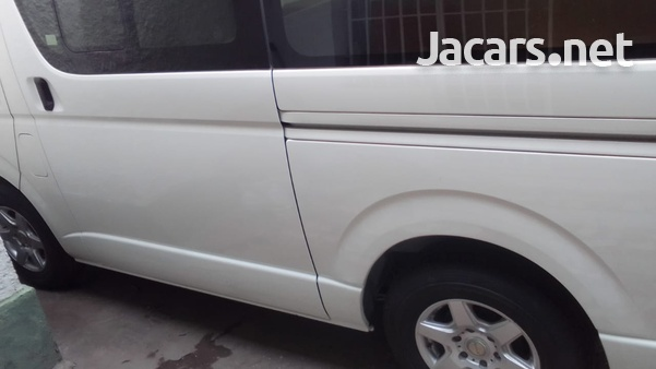 2014 Toyota Hiace Bus-9