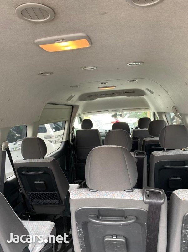 Toyota Hiace 2,7L 2017-9