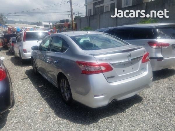 Nissan Sentra 1,8L 2013-4