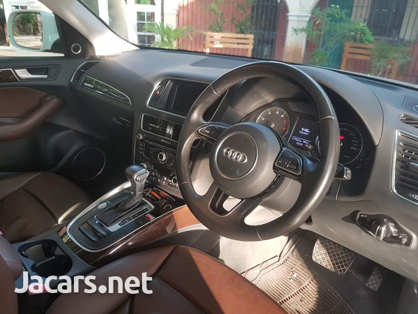 Audi Q5 2,0L 2015-9
