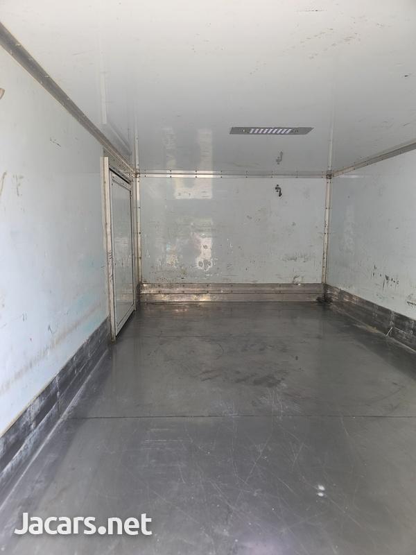 Isuzu Box Body Truck 3,5L 2012-13