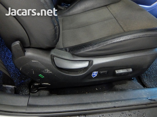 Hyundai Veloster 1,6L 2014-4
