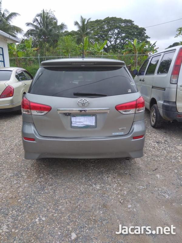 Toyota Wish 2,0L 2011-2