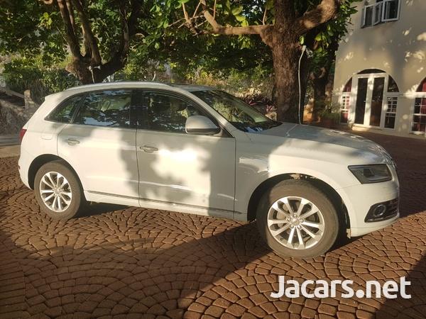 Audi Q5 2,0L 2015-14