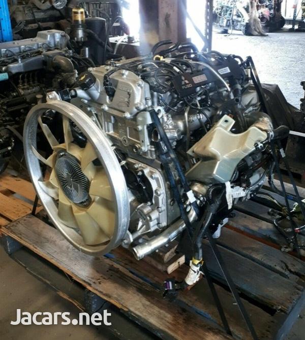 Mitsubishi Canter Fuso 4P10 Engine scrapping-1