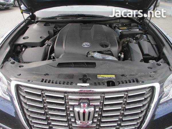 Toyota Crown 2,5L 2014-6