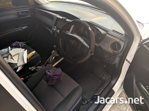 Toyota Fielder 1,8L 2013-7