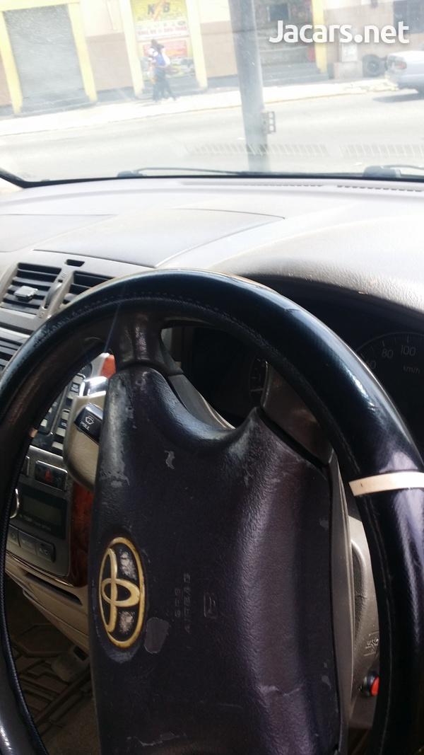 Toyota Ipsum 2,4L 2003-1