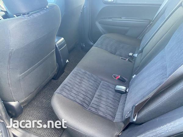 Toyota Fielder 1,5L 2012-6