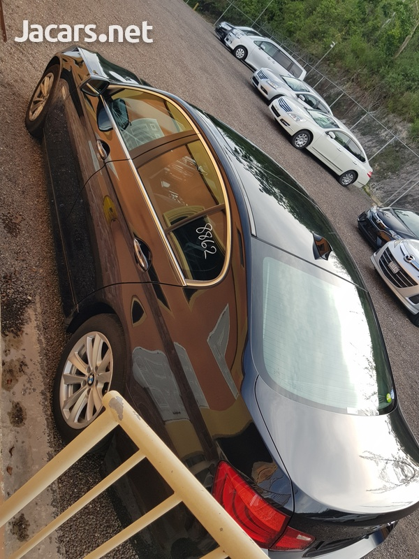 BMW 5-Series 2,0L 2012-9
