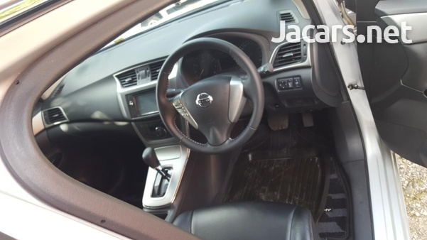 Nissan Sylphy 2,0L 2014-9