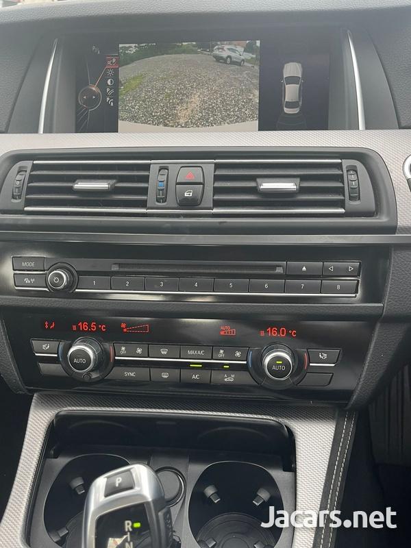 BMW 5-Series 2,5L 2016-7