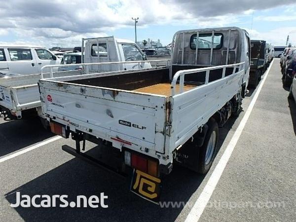 Isuzu Flat Body Truck 2013-4