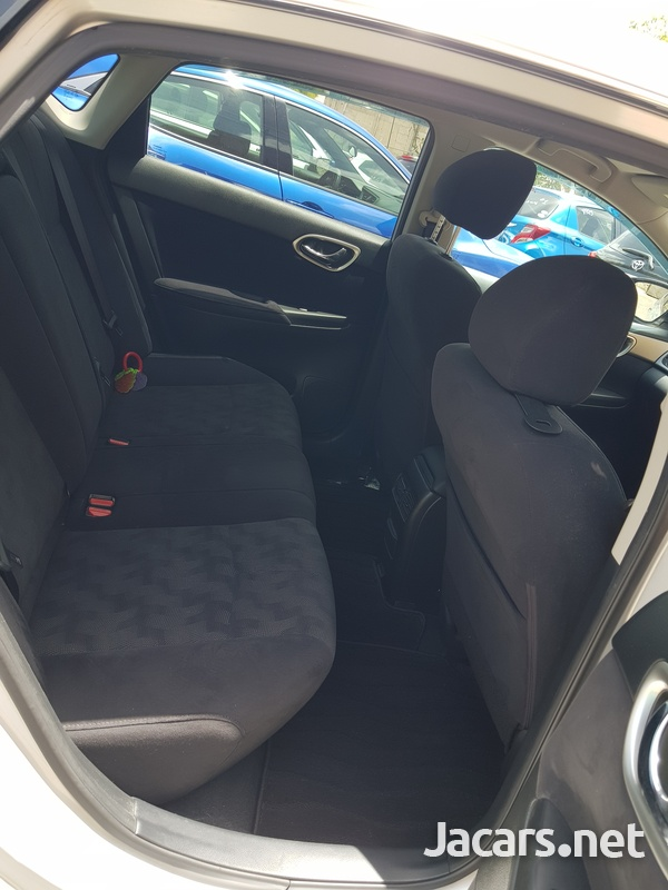 Nissan Sylphy 1,8L 2015-11