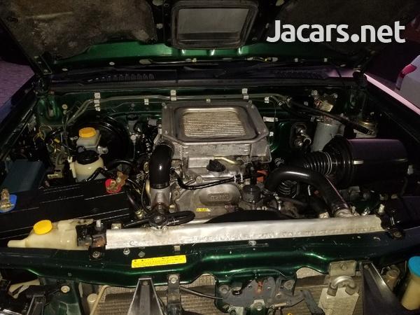 2004 Nissan Frontier-4