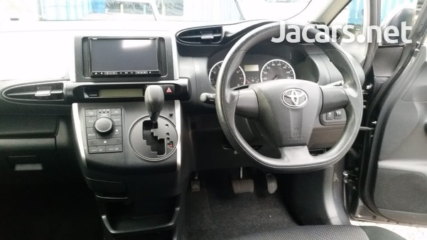 Toyota Wish 2014-4