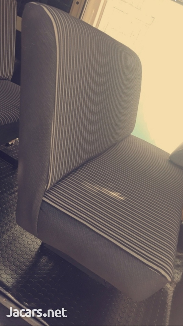 BUS SEATS WITH COMFORT AND STYLE.CONTACT 8762921460-6