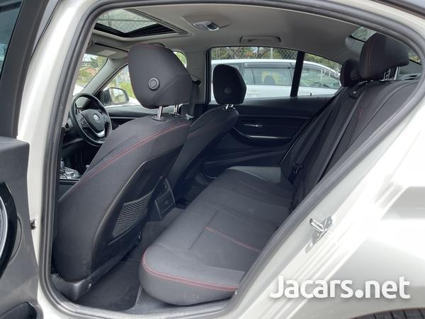 BMW 3-Series 2,0L 2012-6