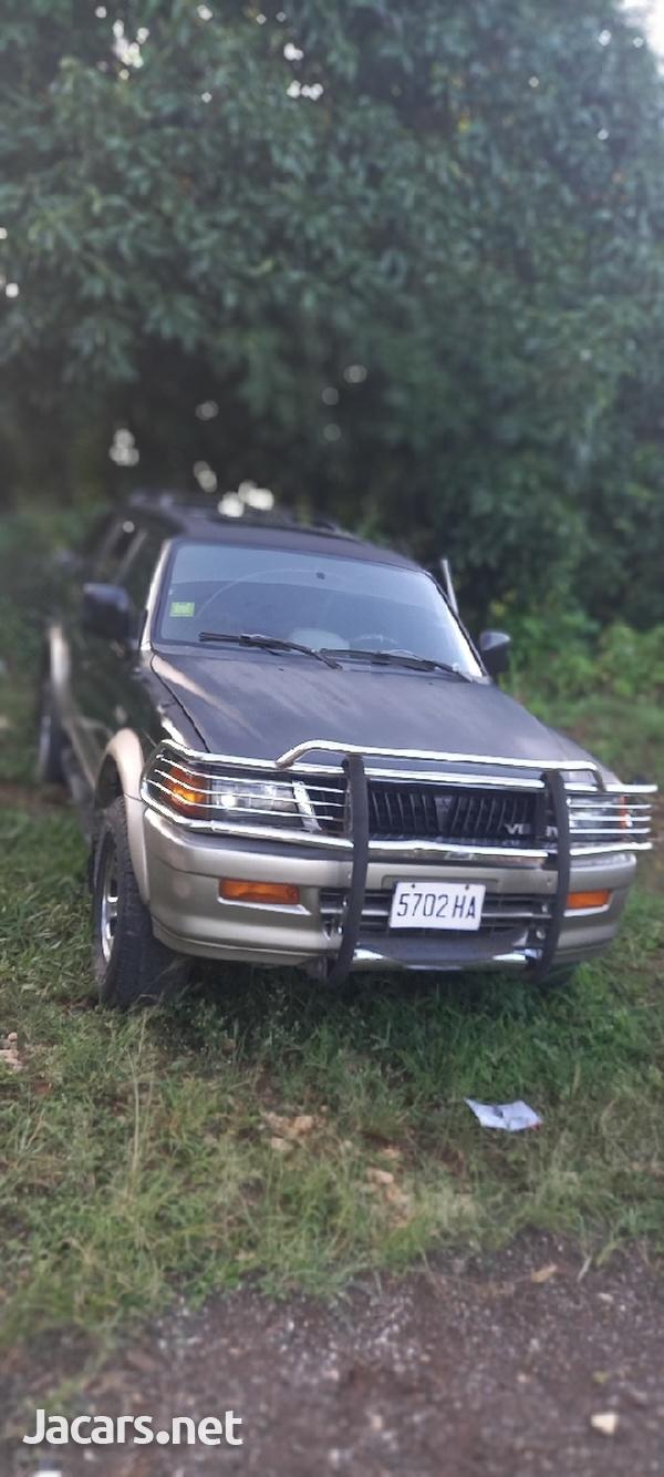 Mitsubishi Montero Sport 3,0L 1998-1
