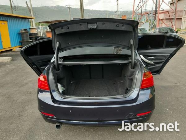 BMW 3-Series 2,0L 2013-6