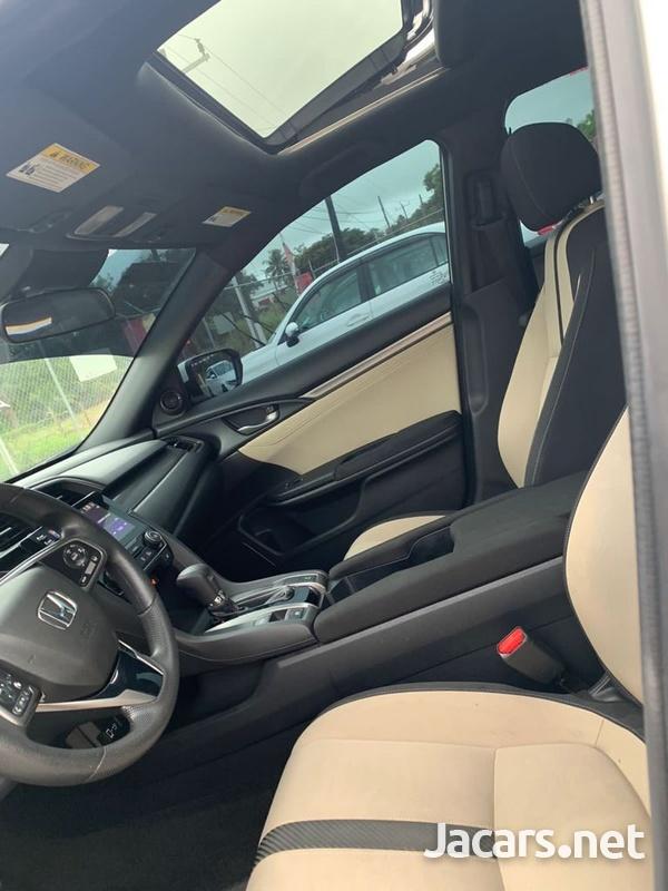 Honda Civic 1,5L 2019-9