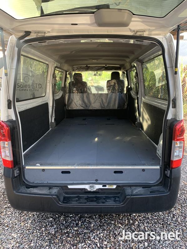 2014 Nissan Caravan-5