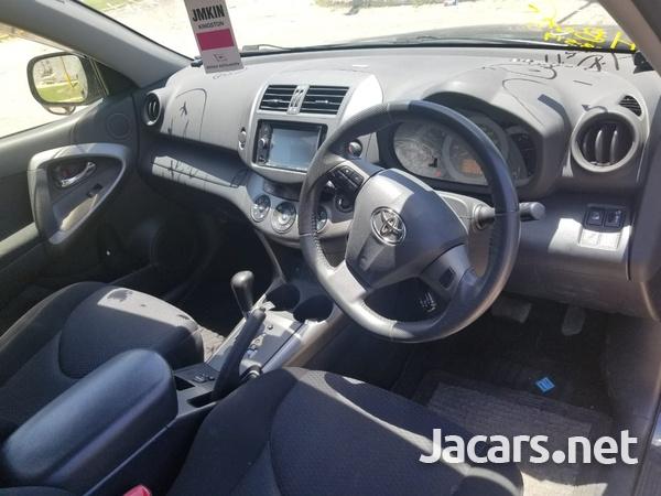 Toyota RAV4 2,4L 2015-7