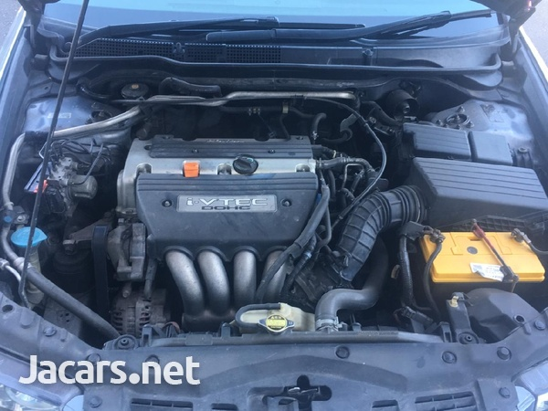 Honda Accord 2,0L 2005-4