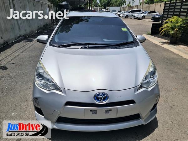 Toyota Aqua 1,5L 2014-2