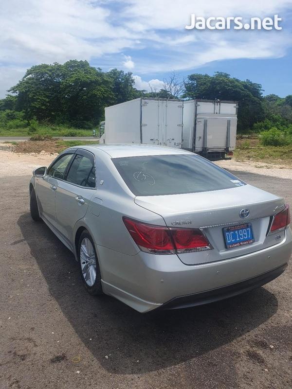Toyota Crown 2,5L 2015-5