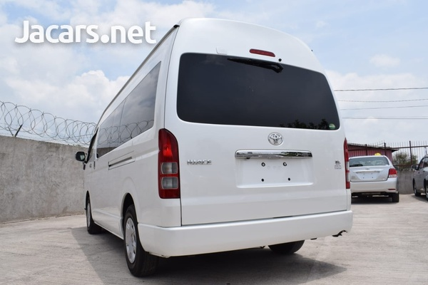 2015 Toyota Hiace Bus-5