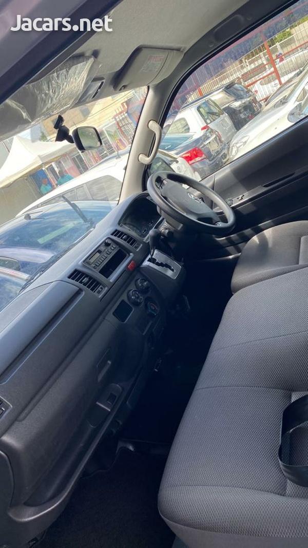 2015 Toyota Regus Ace-2