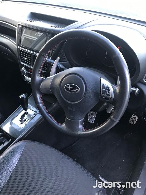 Subaru Exiga 1,9L 2012-9