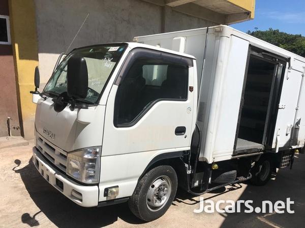 2012 Isuzuz Box Truck-1