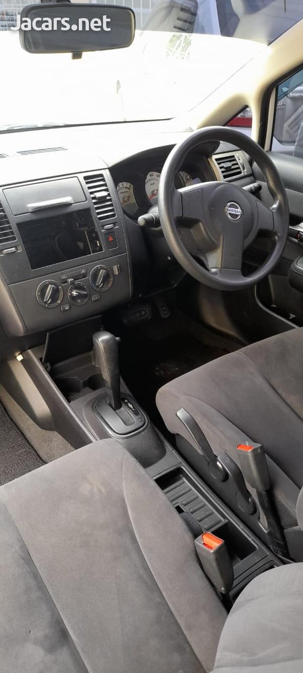 Nissan Tiida 1,8L 2012-8