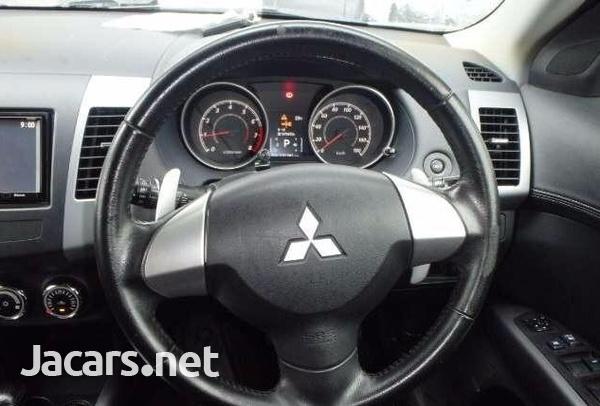 Mitsubishi Outlander or Airtrek 2,5L 2012-4