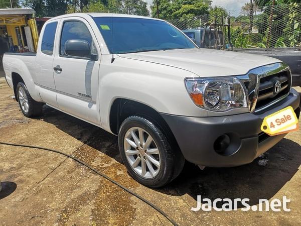 Toyota Tacoma 2011-3