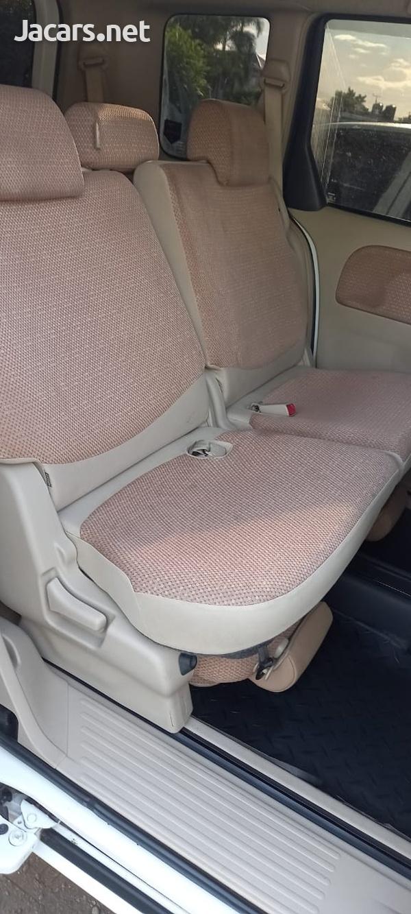 Toyota Sienta 1,5L 2014-4