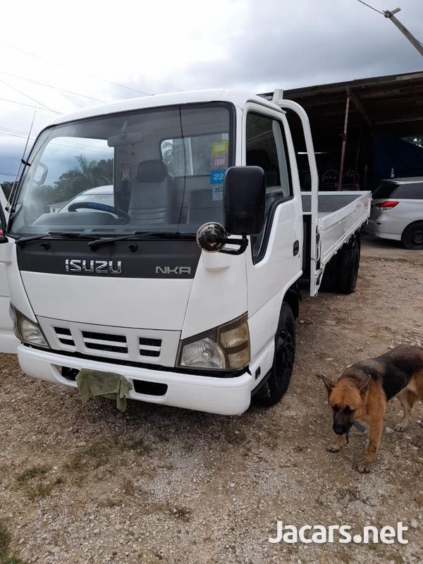 2007 Isuzu Truck-1