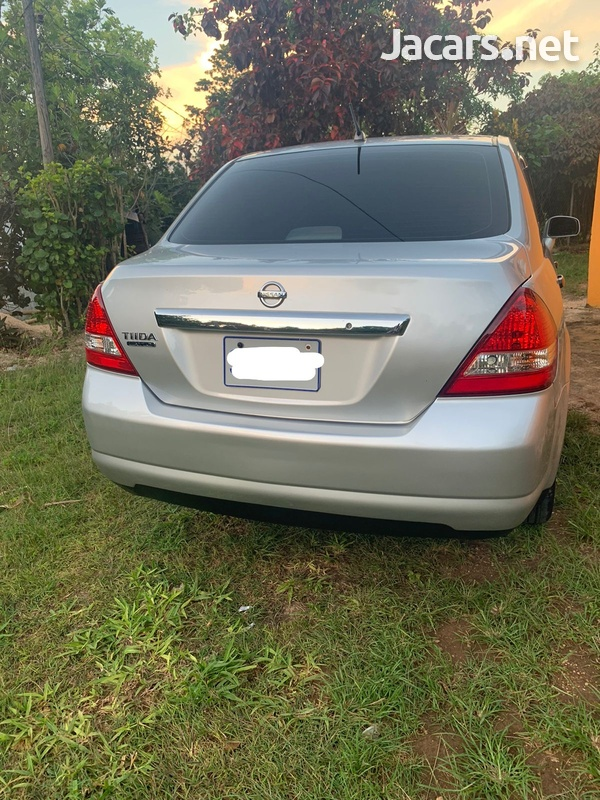 Nissan Tiida 1,5L 2013-3