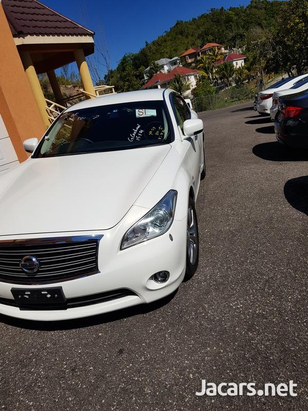 Nissan Fuga 3,5L 2013-6