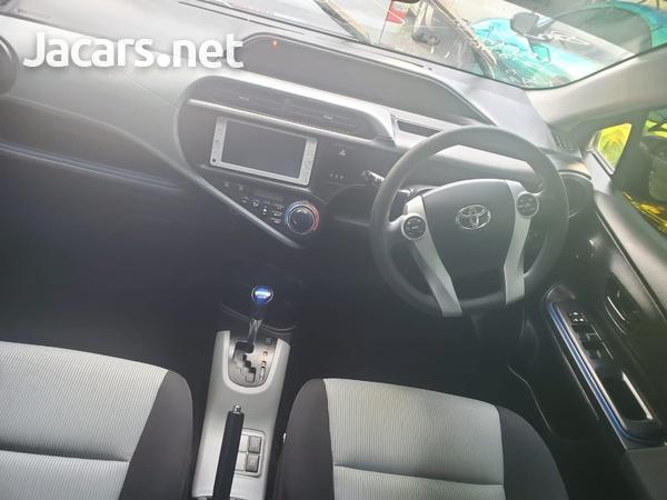 Toyota Aqua 1,4L 2014-8