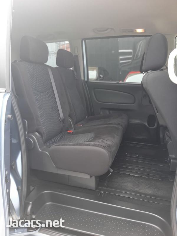 Nissan Serena 1,8L 2015-5