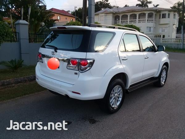Toyota Fortuner 2,6L 2014-4