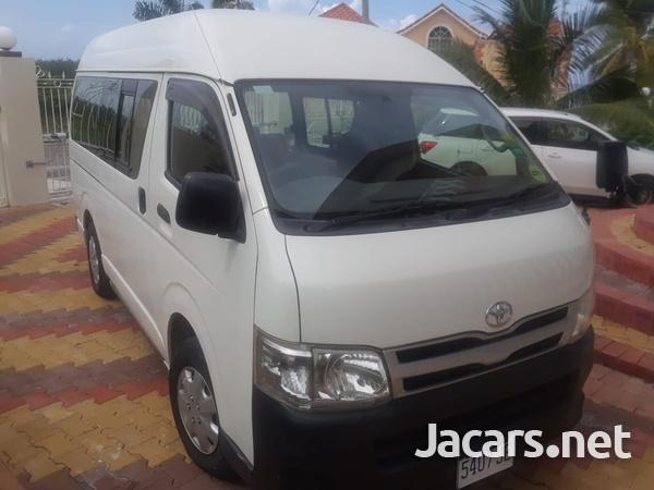 Toyota Hiace Bus 2,5L 2012-8